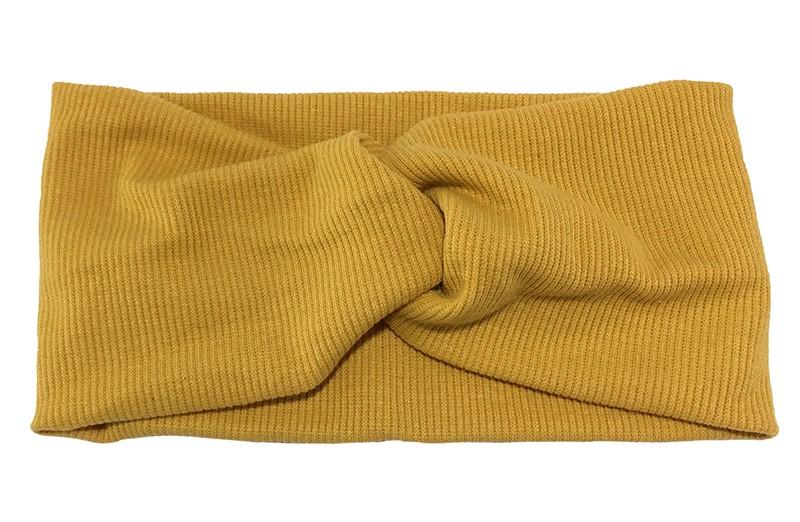 Leuke geel stoffen tiener en dames hoofdband.  Van zachte rekbare stof, met streepjespatroontje in de stof. Geknoopt in een hip twistmodelletje.  Het hoofdbandje heeft een hip breed model.