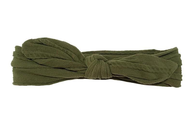 Schattig olijfgroen peuter, kleuter, meisjes haarbandje. Van zachte goed rekbare kantstof.  Geknoopt in een vrolijk modelletje.  Het haarbandje is geschikt vanaf ongeveer 1,5-6 jaar.