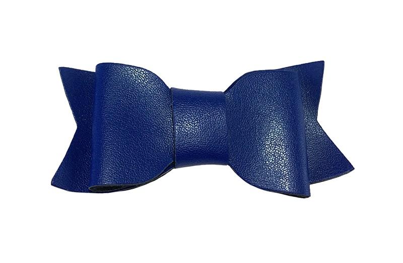 Leuk kobalt blauw leren peuter, kleuter meisjes haarstrikje.  In een leuke dubbellaagse look. Op een haarknipje met kleine tandjes.