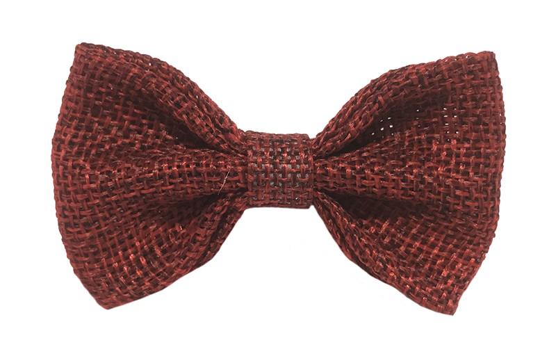 Leuk! Mooi bordeaux rood haarstrikje van jute / linnenlook stof.  Het strikje is vastgemaakt op een alligatorknipje van 4 centimeter.  Staat bij allerlei kapseltjes voor peuter meisjes tot wat grotere meisjes leuk en is makkelijk in de haartjes te zetten.