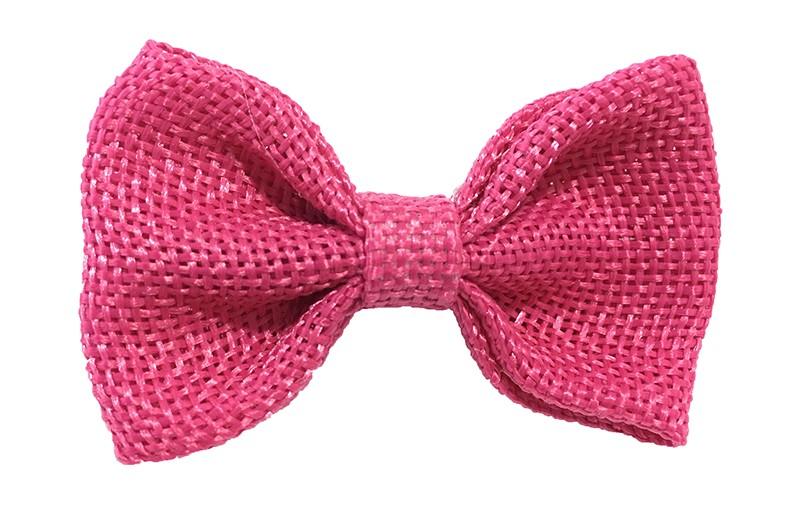 Leuk! Mooi fuchsia roze haarstrikje van jute / linnenlook stof.  Het strikje is vastgemaakt op een alligatorknipje van 4 centimeter.  Staat bij allerlei kapseltjes voor peuter meisjes tot wat grotere meisjes leuk en is makkelijk in de haartjes te zetten.