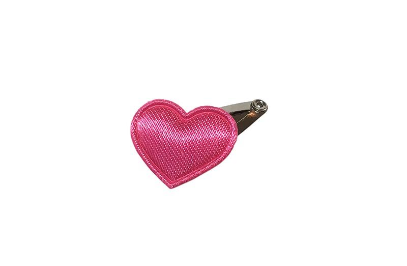 Schattig klein newborn baby haarspeldje met daarop een klein glanzend fuchsia roze hartje.  Laat uw kindje niet slapen of alleen zijn met haarspeldjes in!