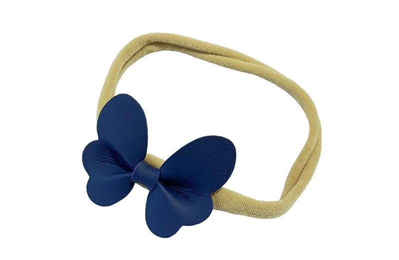 Schattig nylon peuter kleuter haarbandje.  Met een blauw leren vlindertje.  Het haarbandje is van dun goed rekbaar nylon daardoor geschikt vanaf ongeveer 1 tot 6 jaar.