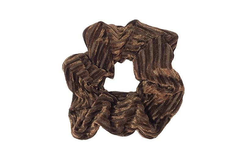 Leuke donkerbruine stoffen scrunchie (groot) in streepjeslook.  Heel makkelijk een leuk kapsel met deze populaire elastieken. Geschikt voor klein en groot. Meisjes, tieners en dames.