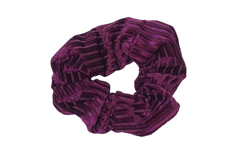 Leuke paars/roze stoffen scrunchie (groot) in streepjeslook.  Heel makkelijk een leuk kapsel met deze populaire elastieken.  Geschikt voor klein en groot. Meisjes, tieners en dames.