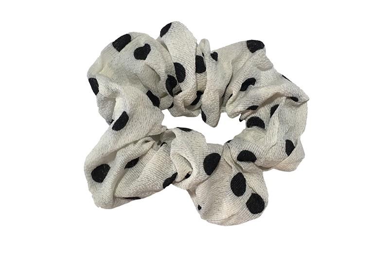 Vrolijke stoffen meiden dames scrunchie.  Van dunne witte stof met zwarte stippels.