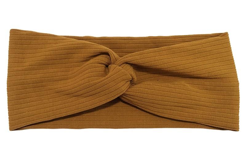 Leuke tiener en dames haarband cognac bruin. In een vrolijke twistlook.  Van comfortabele rekbare stof met streeppatroontje in de stof.