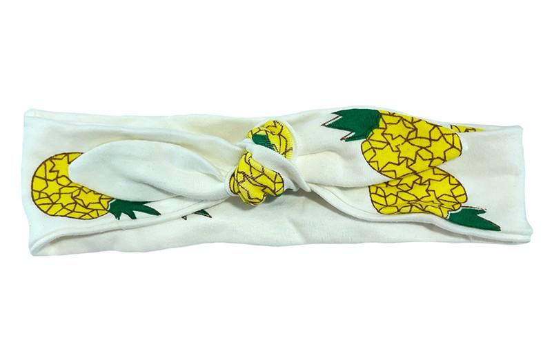 Vrolijk creme wit baby peuter kleuter haarbandje.  Met geel groene ananas figuurtjes.  Het haarbandje is van rekbare stof. Handig zelf te knopen.  Daardoor kun je lang plezier hebben van dit leuke haarbandje.
