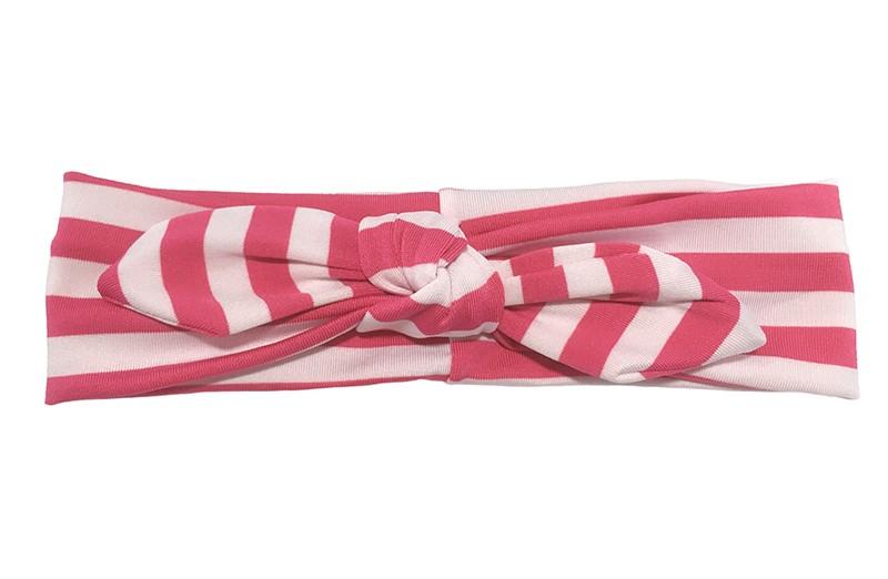Leuk geknoopt baby, peuter, kleuter meisjes haarbandje. Van glanzende fuchsia roze, wit gestreepte stof. In de oortjes zit een handig ijzerdraadje zodat de oortjes gevormd kunnen worden van rechtopstaand tot helemaal plat.  Dit haarbandje is van goed rekbare glanzende stof. Het haarbandje is ongeveer 5 centimeter breed.
