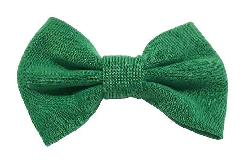 Leuke groene zacht stoffen haarstrik. De strik is ongeveer 9 centimeter breed. Op een handige alligatorknip van 4.5 centimeter.