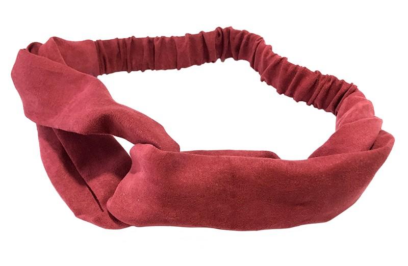Leuk meiden dames twist haarbandje in een mooie donker rode kleur. Van suedelook stof met een goed rekbaar gedeelte.  Het haarbandje is geschikt voor meisjes vanaf ongeveer 7 jaar, grotere meiden, tieners tot aan dames.
