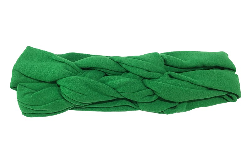 Leuk effen groen baby peuter haarbandje. In een leuk dubbel in elkaar geknoopt modelletje. Van zachte rekbare stof.  De breedte van het haarbandje is ongeveer 5.5 centimeter.