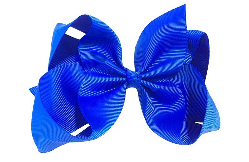 Vrolijke haartjes met deze extra grote kobalt blauwe haarstrik van lint. Op een alligator knip van 5,5 centimeter vastgemaakt, zet makkelijk in het haar.