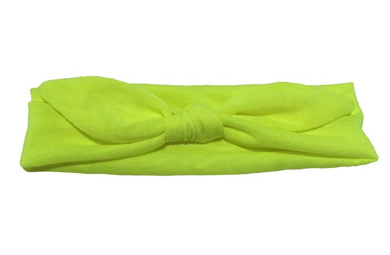 Leuk effen, (neon) geel, baby peuter haarbandje van zachte rekbare stof. In een leuk modelletje geknoopt.  Het haarbandje is ongeveer 5 centimeter breed.